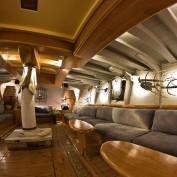 mykonos-yacht-charter-delos-sailing-07